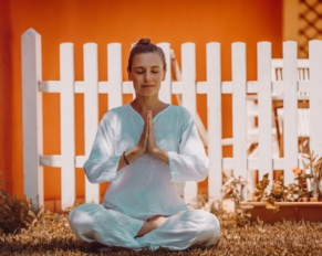 Why Everyone Should Take a Minute to Meditate Every Day